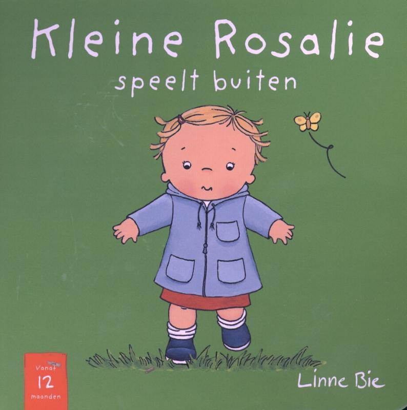 Kleine Rosalie speelt buiten